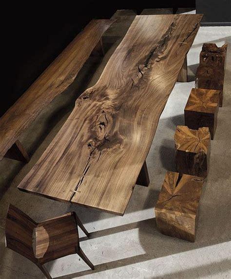 fabriquer sa table de cuisine les meubles en bois brut sont une touche nature pour