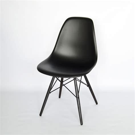 Vitra Stuhl Schwarz vitra eames plastic side chair dsw schwarz neue h 246 he