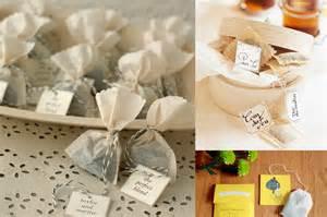 dã esse du mariage autour du thé cadeaux des invités dans les baskets de la mariée