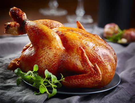 cuisiner un poulet fermier poulet fermier farci aux coquillettes foie gras et