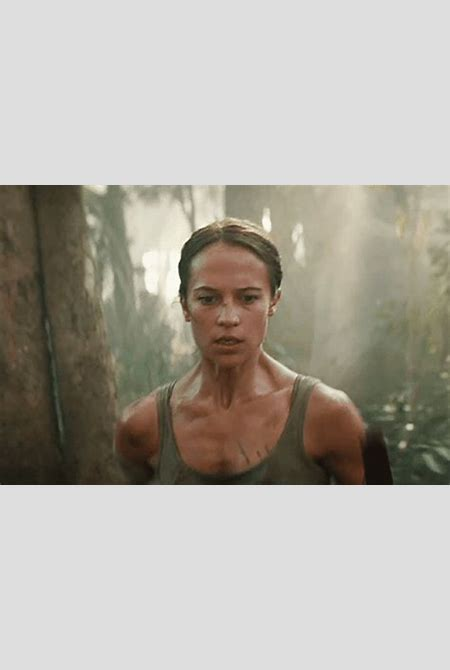 In 'Tomb Raider,' Alicia Vikander Becomes the New Queen of Action-Hero Runners