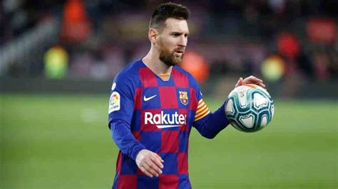 Lionel Messi equals Cristiano Ronaldo hat-trick record