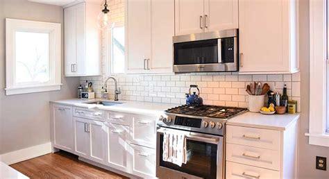 small kitchen renovation masterbrand cabinets