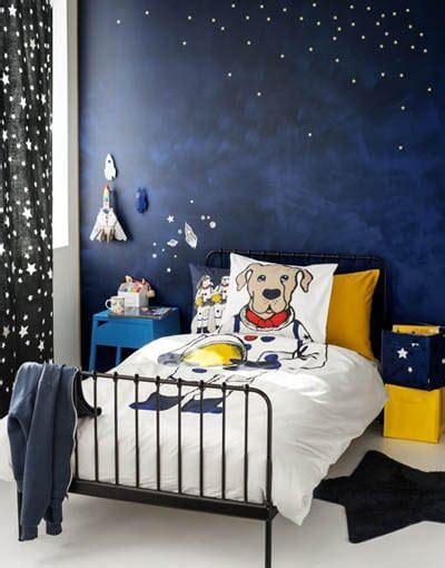 chambre theme espace chambre de garçon espace un joli thème déco à découvrir