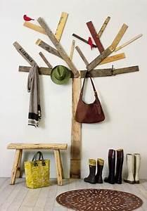 Deco Mur En Bois Planche : faire un porte manteau avec des planches de bois pour ~ Dailycaller-alerts.com Idées de Décoration