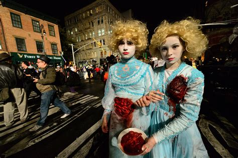 Greenwich Village Halloween Parade 2013 by Village Halloween Parade In Nyc 2017 Guide Plus When It Starts