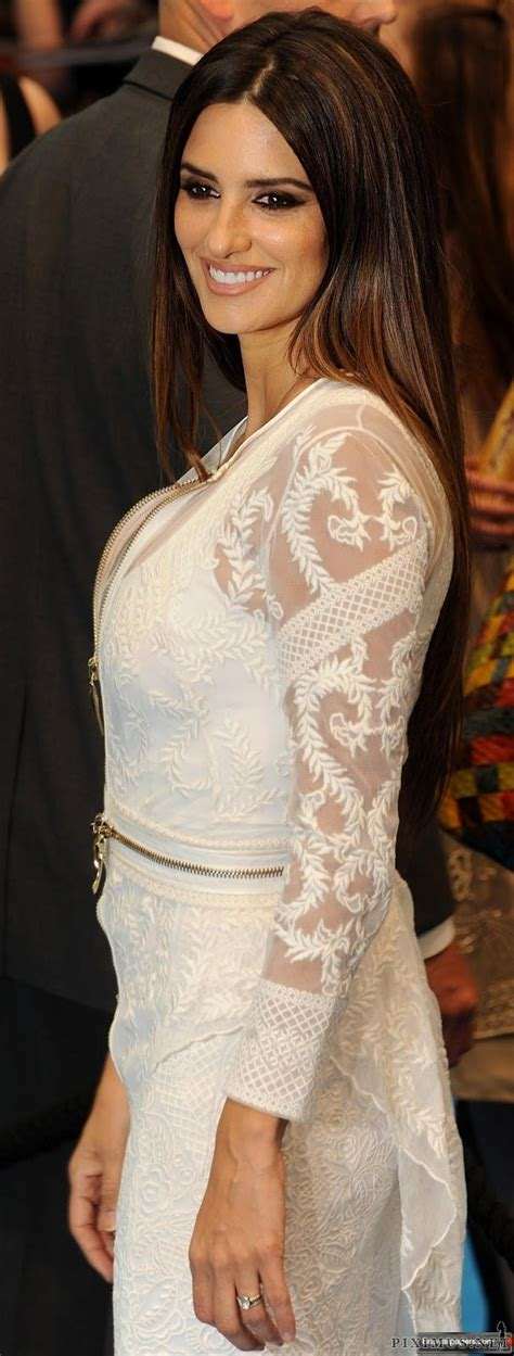 penelope cruz  elegant dress celebrities