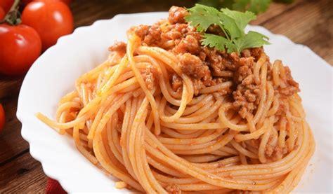 Receptes.lv - Makaroni ar malto gaļu