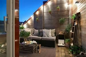 Terrassengestaltung Ideen Beispiele : luxus balkone mit schlichten beleuchtungen und dekopflanzen die besten ideen f r ~ Frokenaadalensverden.com Haus und Dekorationen