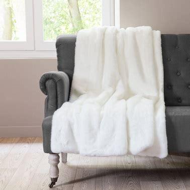 plaid canapé maison du monde plaid tout blanc chaleureux maisons du monde