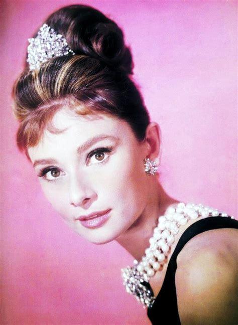 1961 superbe hepburn dans le mythique quot diamants sur canap 233 quot breakfast at