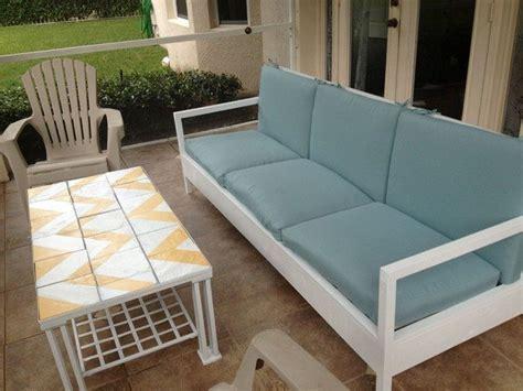 DIY: Making Your Own Pallet Patio Furniture   Decor Around