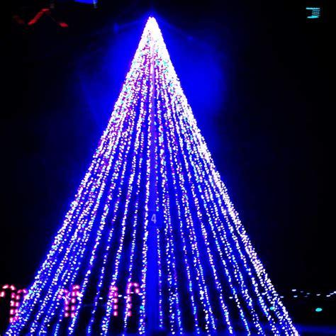 illuminate light show real richmond review illuminate light show and santa s