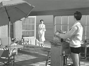 Joan Crawford-Zachary Scott-sunroom - Hooked on Houses