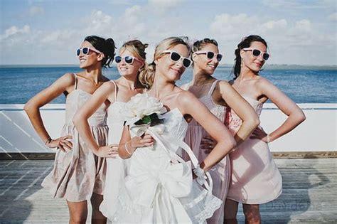 """Wedding Photos: 10 """"non traditional"""" must have wedding photos"""