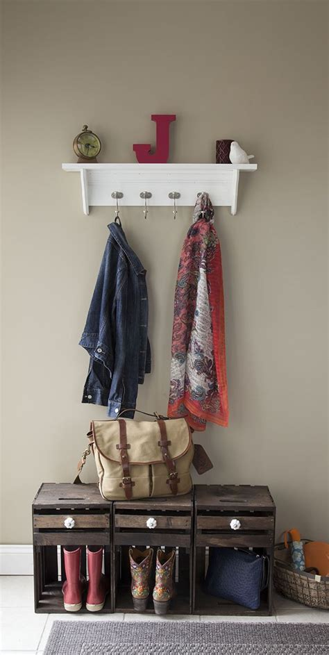easy diy     decorative moulding hook rail