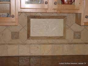 kitchen backsplash accent tile kitchen granite counter and travertine tile backsplash