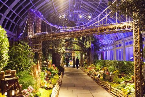 train garden york holiday botanical nyc events nybg bronx brooklyn trains landmarks tickets bridge annual event nycgo displays ftempo botantical