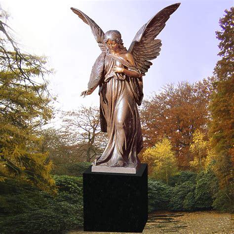 Großer Bronze Engel Grabstein • Stilvollegrabsteinede