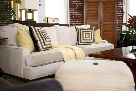 Reupholstery Sofa by Learn When To Reupholster An Sofa