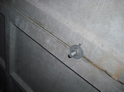 enlever le crepi d un mur interieur qui a deja perc 233 un mur porteur b 233 ton sur maison p communaut 233 leroy merlin