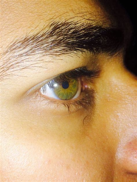 why are my eyes so sensitive to light green eyes learn why people who have them are so unique