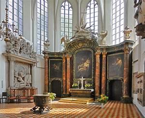 File:St Marys Church, Berlin, Germany (6123623871).jpg ...