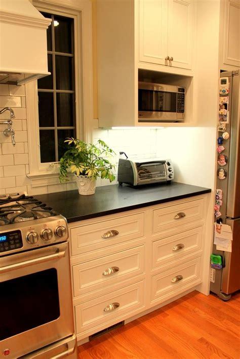 kitchen counter cabinet bhg kitchens microwave nook built in breakfast kitchen ideas 3429