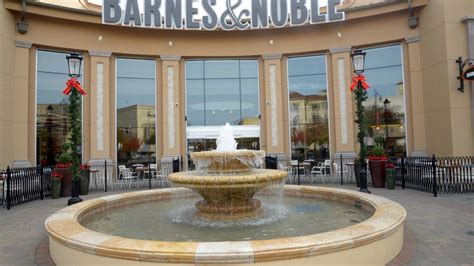 What Folsom's New Barnes & Noble Says About The Future Of