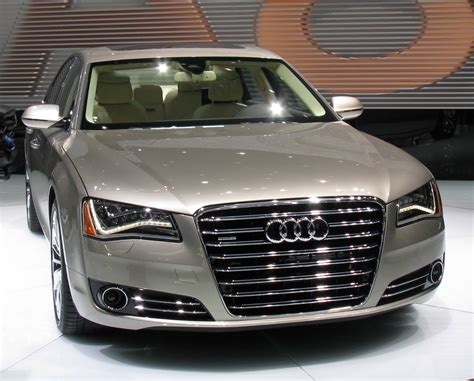 2017 Audi A8 Widescreen Images