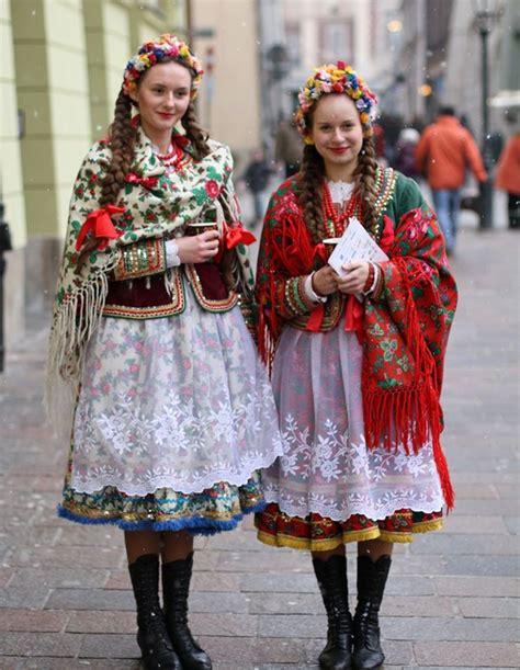 12 Hermosos vestidos tradicionales de diferentes partes