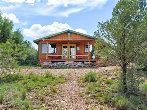 rustic charm cozy cabin  grand canyon  stunning