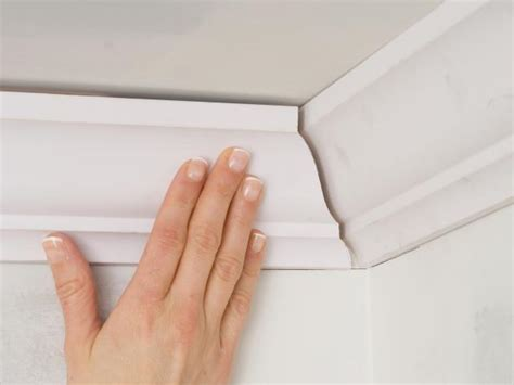 kitchen crown molding ideas installing crown molding how tos diy