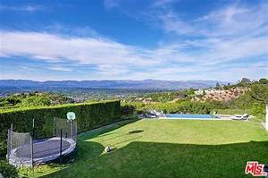 $10.25 Million Mansion In The Guard Gated Mulholland ...