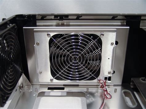 lian li 140mm blue led fan lian li pc v1020b mid tower chassis