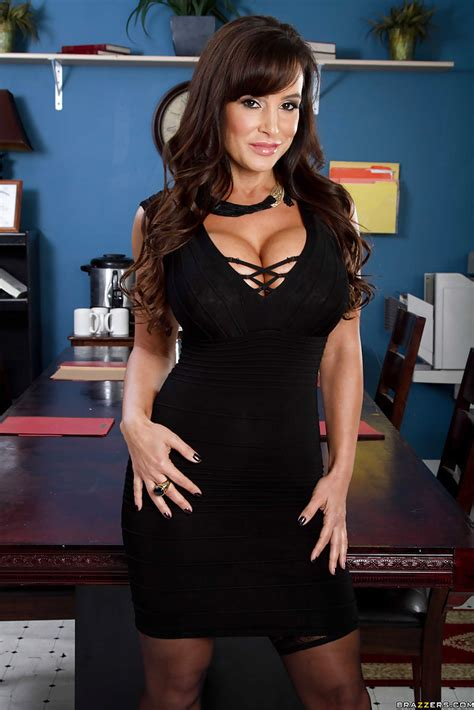 Lisa Ann Uncovering Her Ravishing Curves Lisa Ann The Gorgeous Pornstar