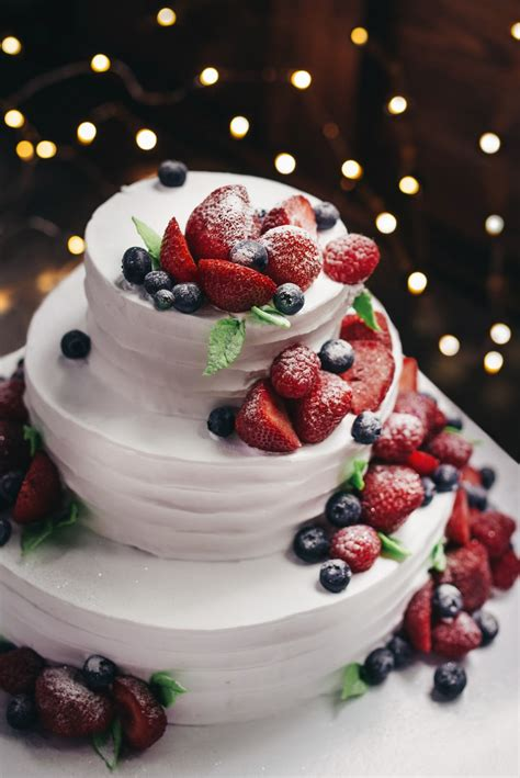 birthday cake pictures   images stock
