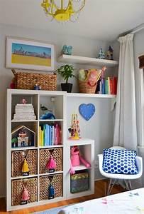 Ikea Bücherregal Kinder : kinderzimmer im skandinavischen stil mit stauraum f r ~ Lizthompson.info Haus und Dekorationen