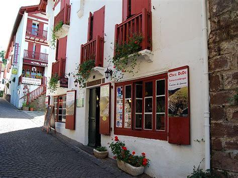 restaurant st jean pied de port restaurant la vieille auberge chez d 233 d 233 224 jean pied de port 64 restaurants