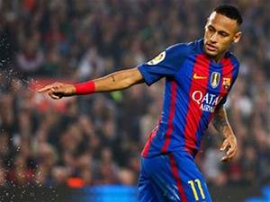 Barcelona calm concerns Neymar is suffering with injury