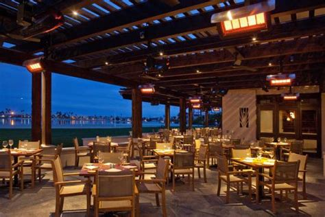 oceana coastal kitchen patio at catamaran resort