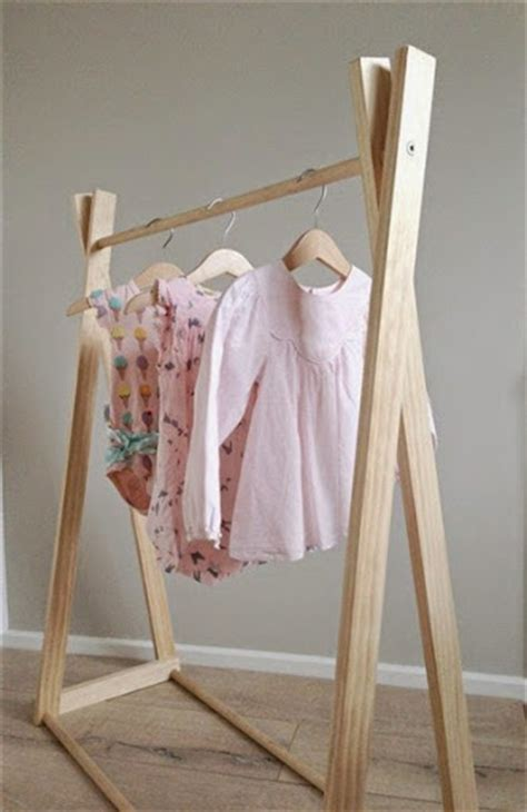 model jemuran baju minimalis praktis  ruangan sempit