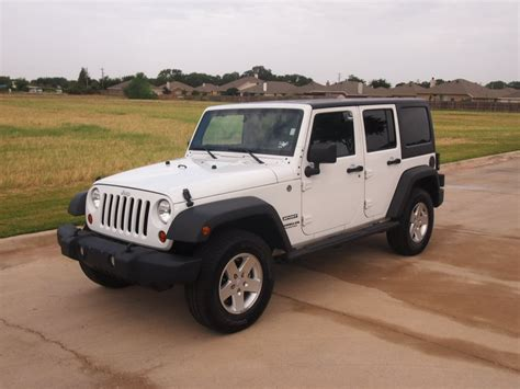 suv jeep white white 2011 jeep wrangler unlimited sport suv 4x4 power