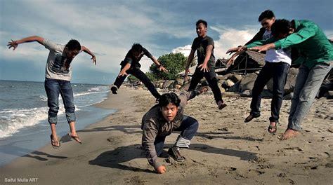jump action group  photo  pixabay