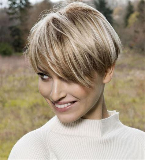 cheveux court tendance