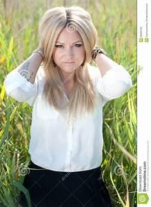Schönes 10 Jähriges Mädchen : sch nes junges m dchen stockfoto bild von jung bluse 28333794 ~ Yasmunasinghe.com Haus und Dekorationen
