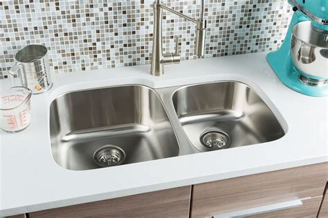extra large kitchen sinks hahn chef series extra large 60 40 double bowl sink jpg