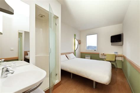 ibis budget dans la chambre chambre etap hotel mantes la picture of