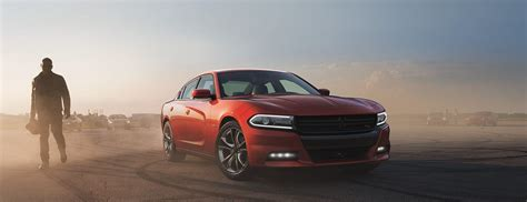dodge charger   ford taurus sho
