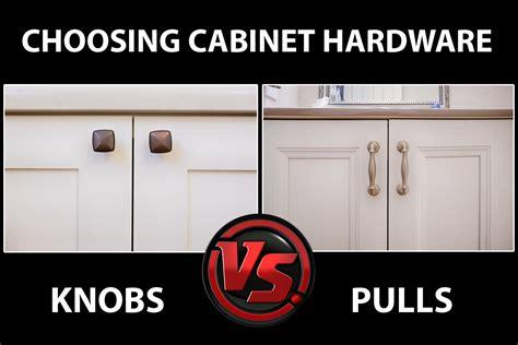 kitchen cabinets knobs vs handles should i use knobs or pulls on kitchen cabinets archives 8098